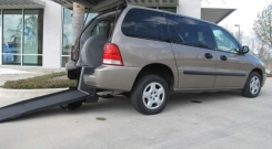 ford freestar 2005 rear entry